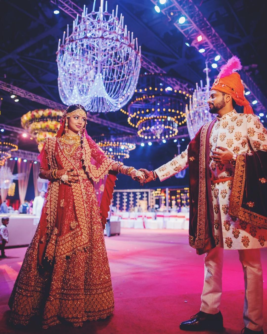 chandelier decor, chandelier decor ideas, unique chandelier decor ideas, candle chandelier decor, chandelier decor for weddings