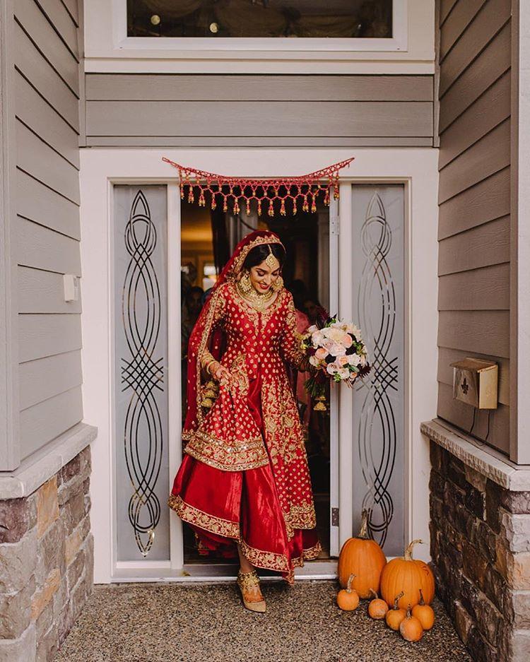 indian weddings, wedding photography, Canada, indian weddings in Canada, couple portrait, groom outfit, bridal outfit, indian bride, indian groom, bridal lehenga, Mathias Fast Photography
