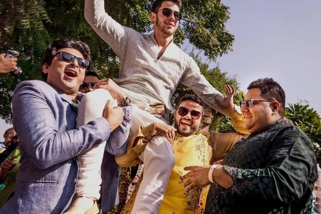 priyanka chopra mehendi photos, priyanka chopra wedding