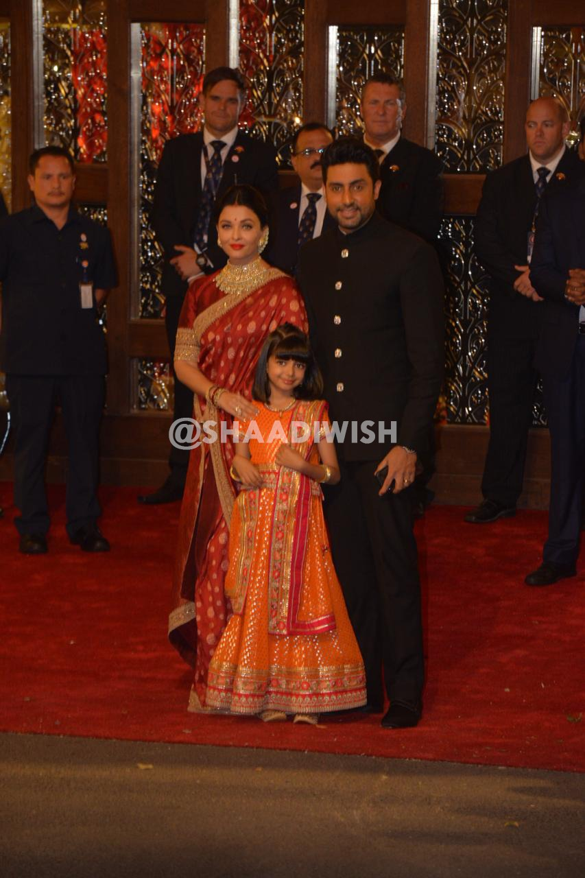 Aishwarya Bachchan, Sabyasachi, red saree, wedding outfit
