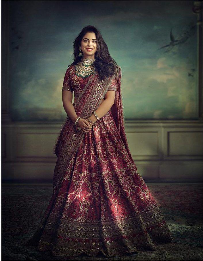 Isha Ambani, wedding look, sabyasachi lehenga