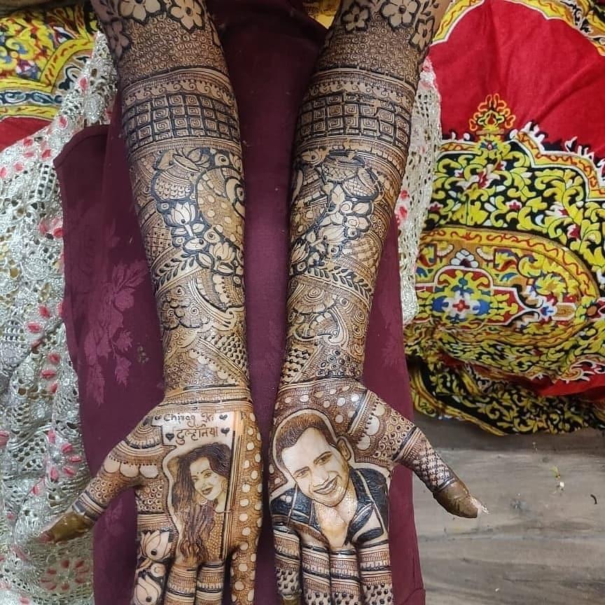 Parul Chauhan wedding, mehendi ceremony, unique mehendi deign, portrait mehendi design, bridal mehendi