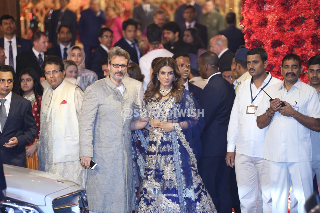 raveena tandon, wedding outfit