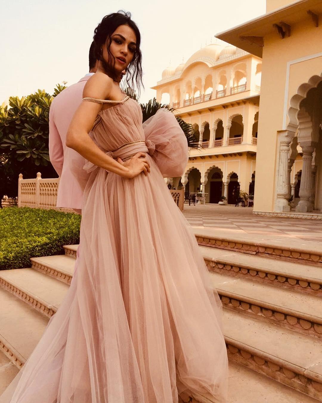 bridal gowns in delhi