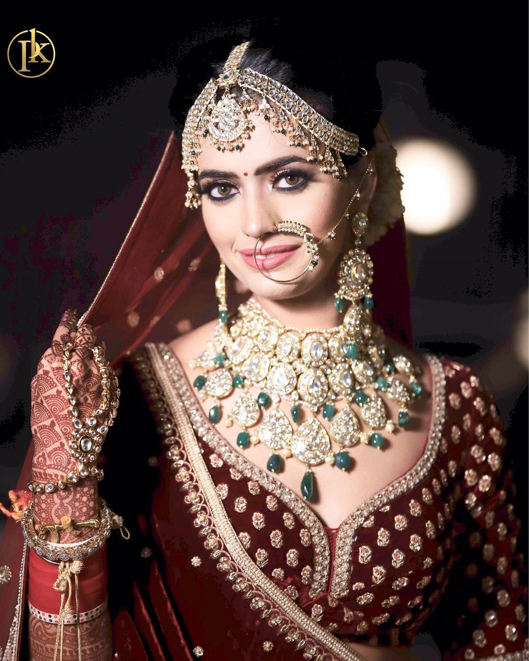 Contrasting bridal jewellery designs