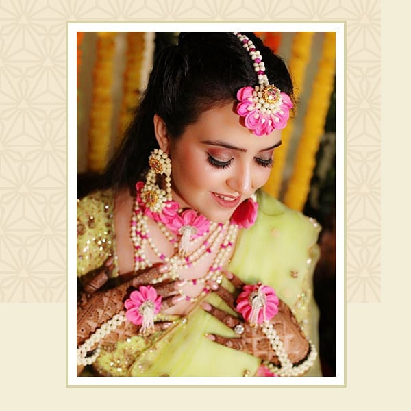 floral Jewellery in Delhi