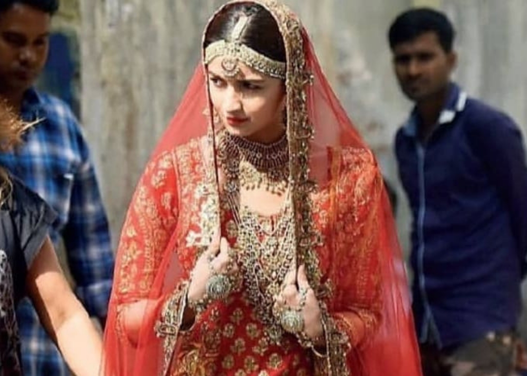Alia Bhatt In Bridal Wear Is The Bride We All Are Waiting For!