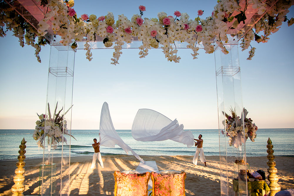 kaabia grewal, beach wedding