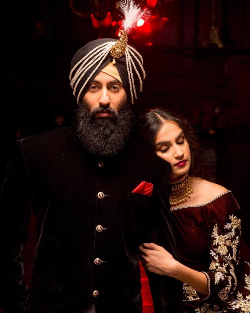 sikh couple portrait,sikh groom pagri ideas