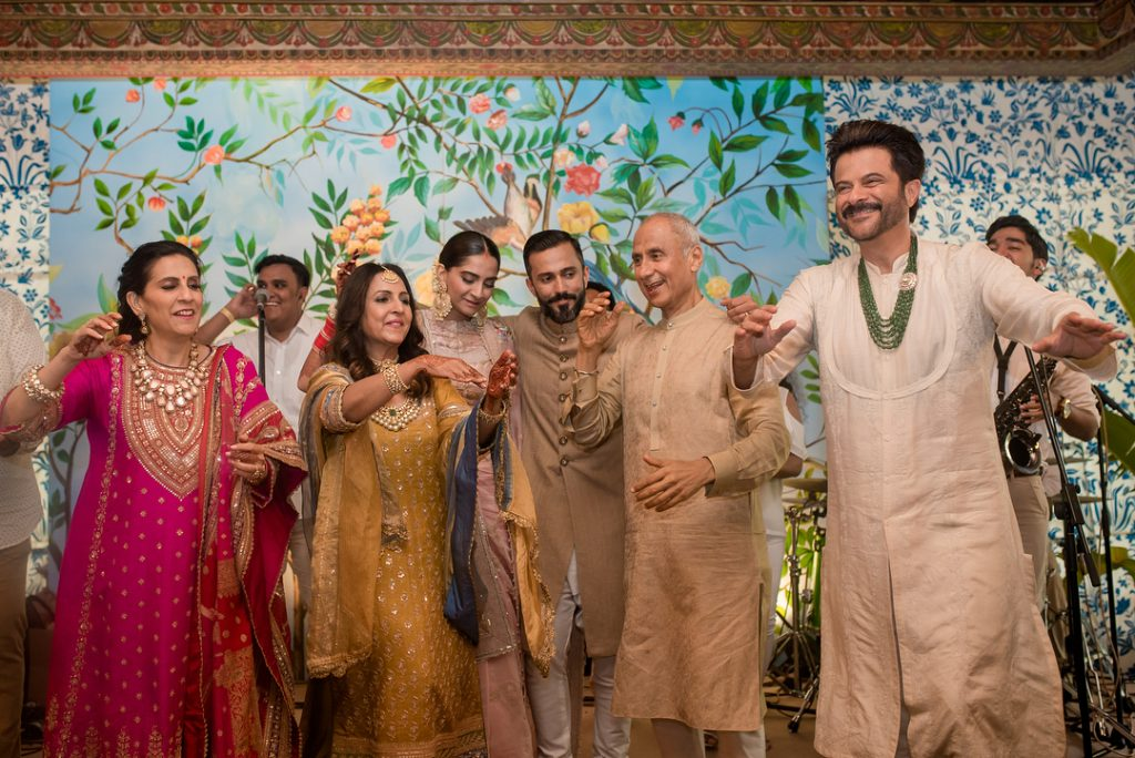 sonam kapoor and anand ahuja wedding photos