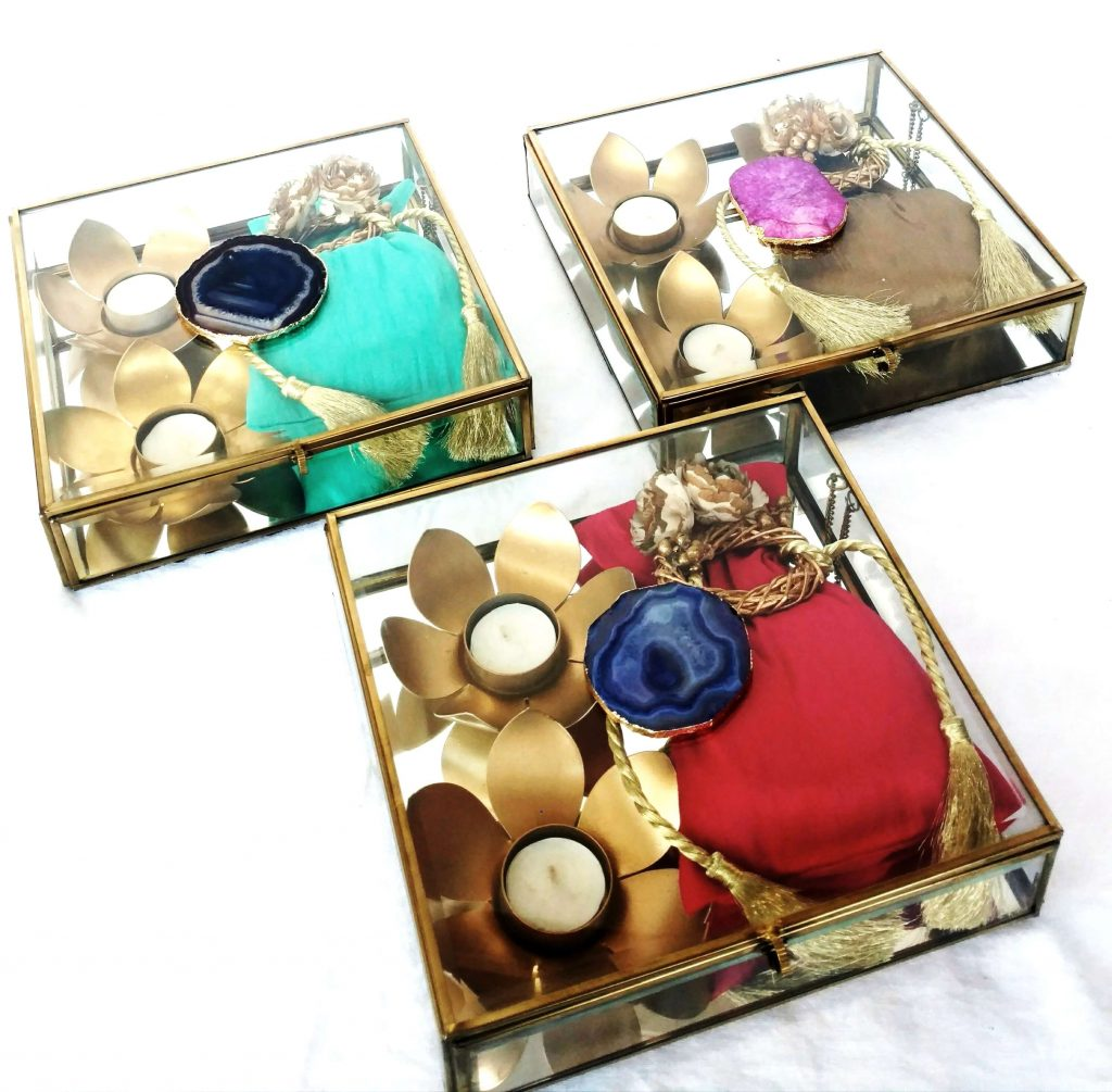Mirror Boxes