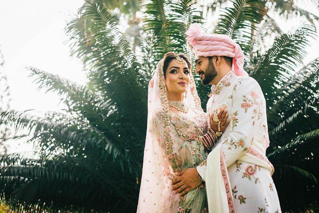 groom sherwani trends,white self embroidered sherwani