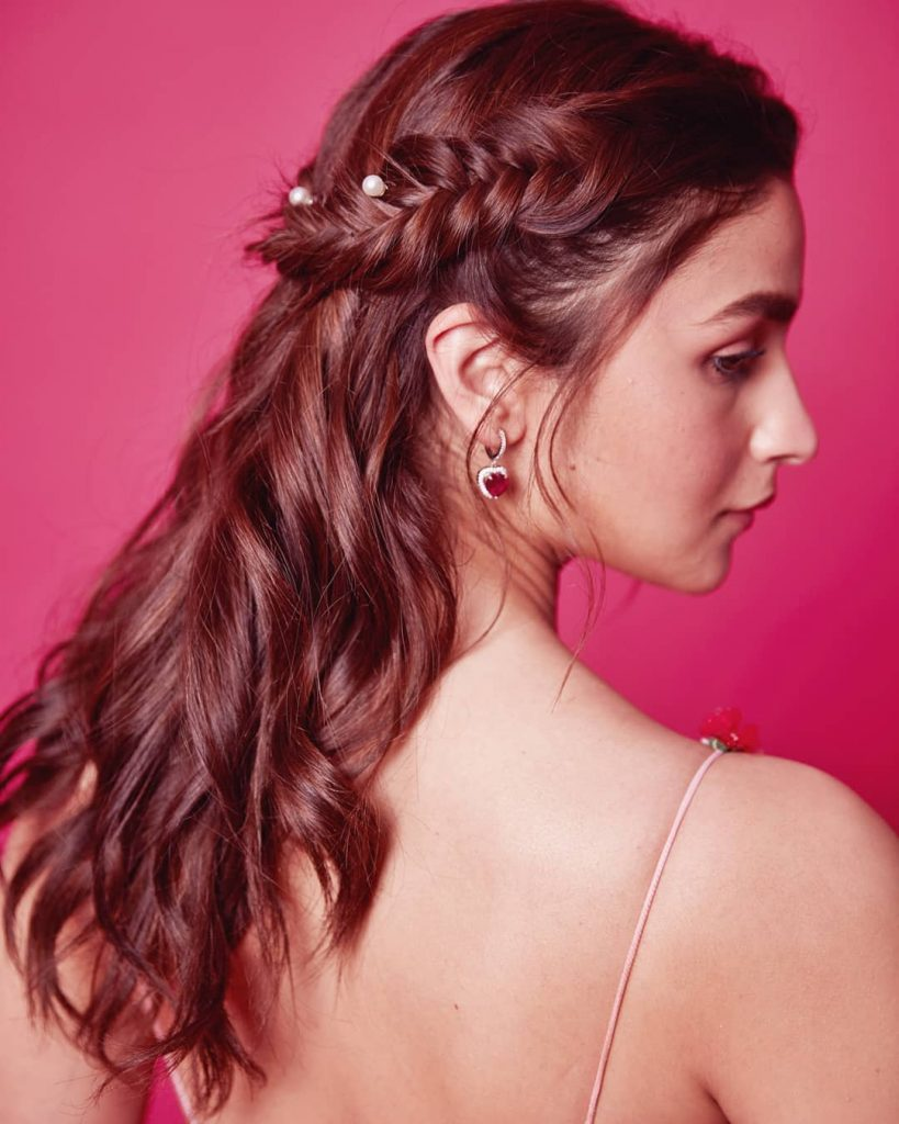 Easy And Trending Hairstyles For Sister Of The Bride