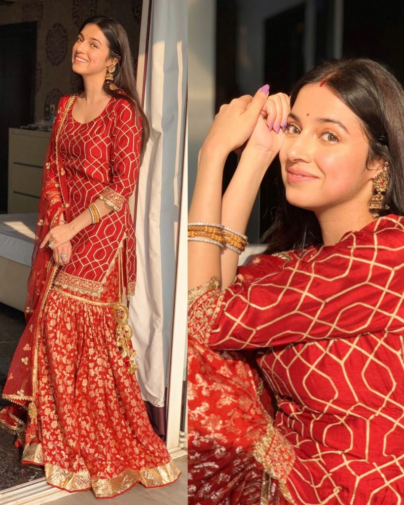 These Bollywood Celebs In Red Saree Aced Their Karwa ...