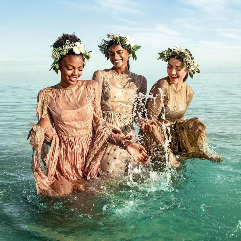 beach wedding look for bridesmaids