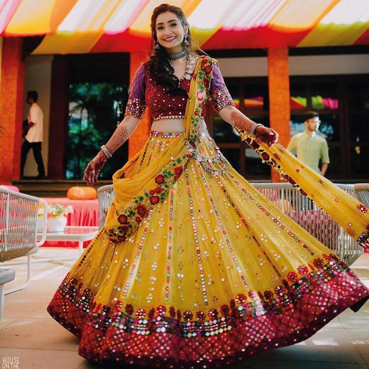 Mehendi Outfits For Brides