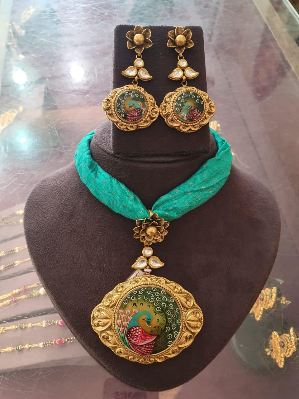 portrait jewellery designs