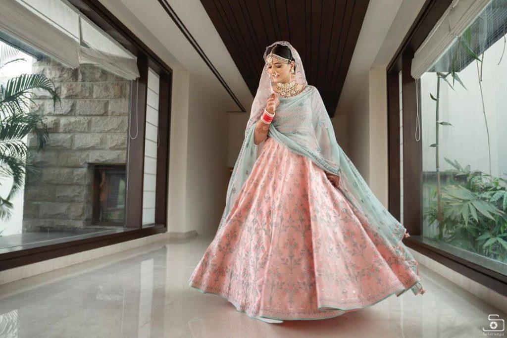 contrasting bridal dupatta