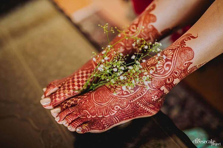 feet mehendi for brides