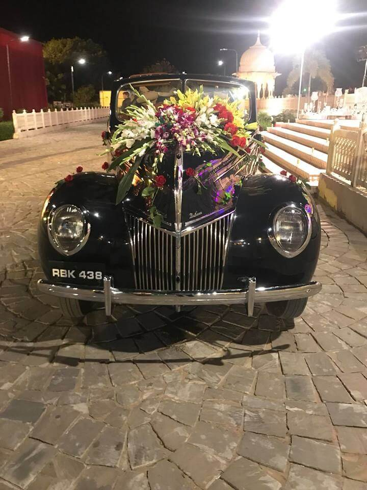 vintage car decor