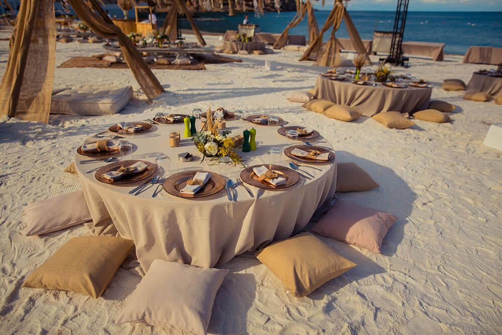 beach wedding seating