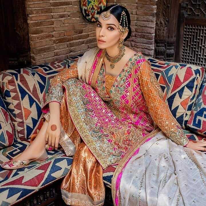 Pakistani Mehendi Outfits