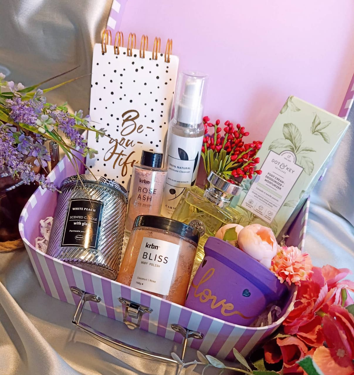 Head To Teal Lush In Mumbai For Some Amazing Wedding Gift Hampers