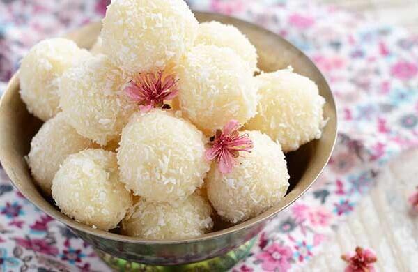 intimate wedding delicacies