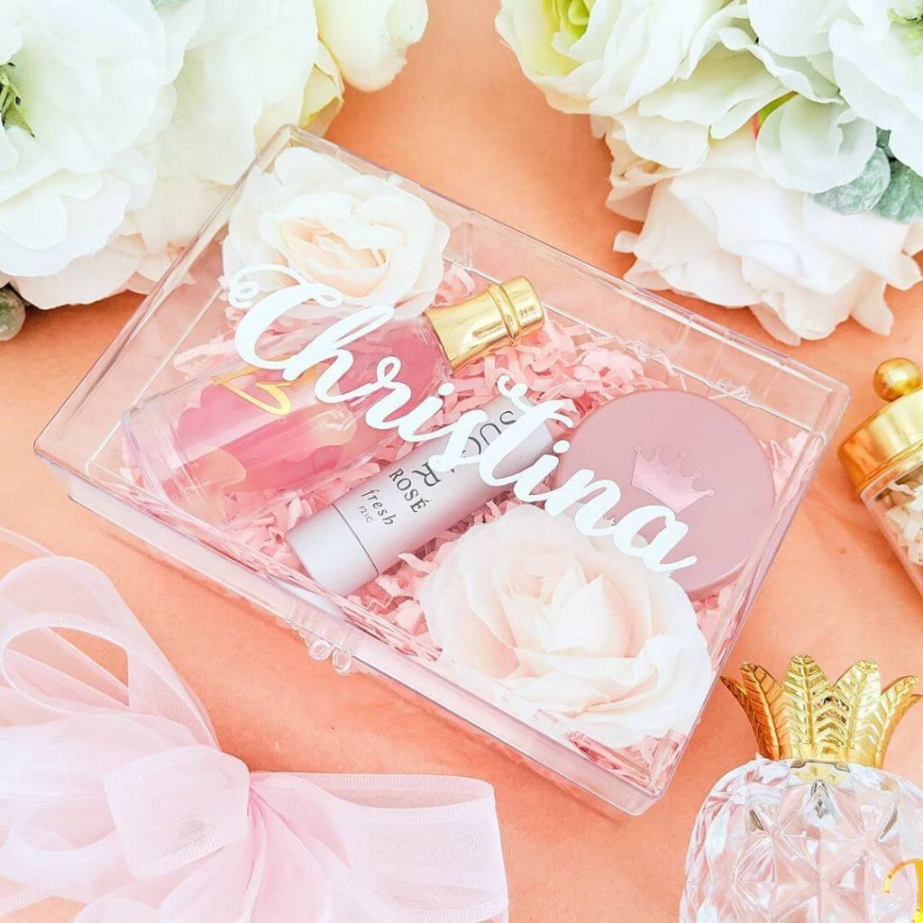 persoanlised bridesmaid boxes