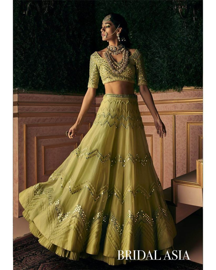 offbeat bridal outfit colors