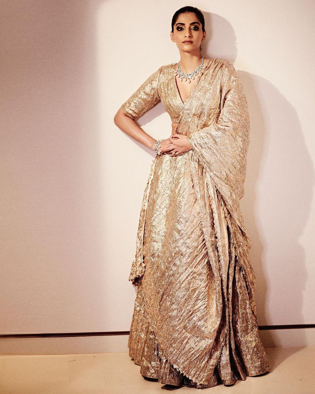 Sonam Kapoor outfits, lehenga
