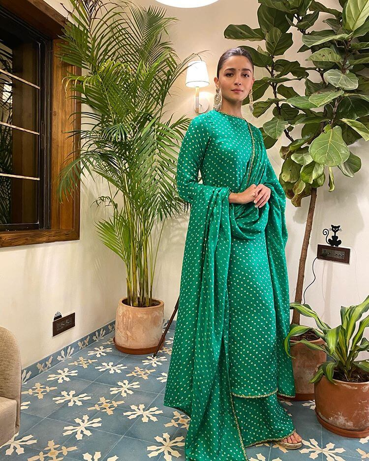 green mehndi outfits