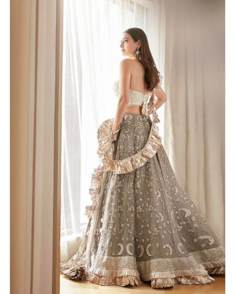 ruffled bridal dupatta