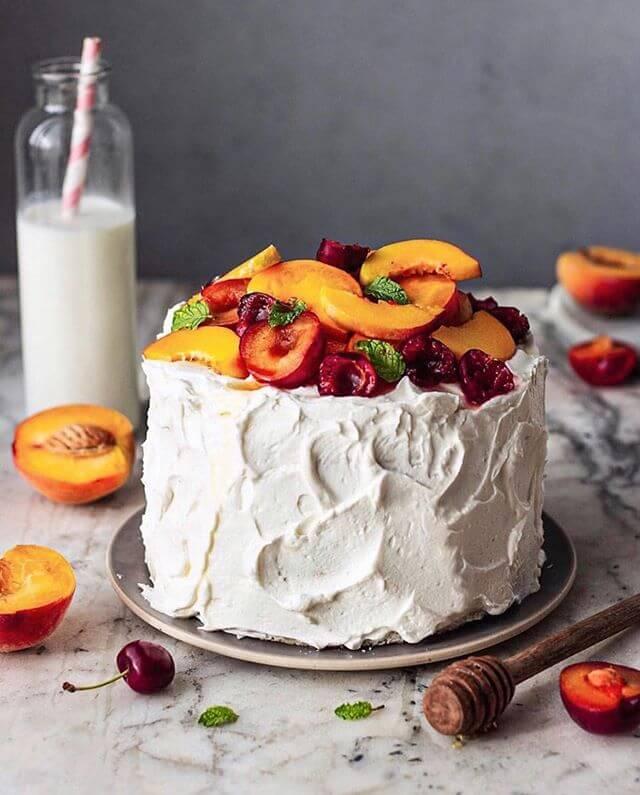 wedding cake, menu ideas for small weddings