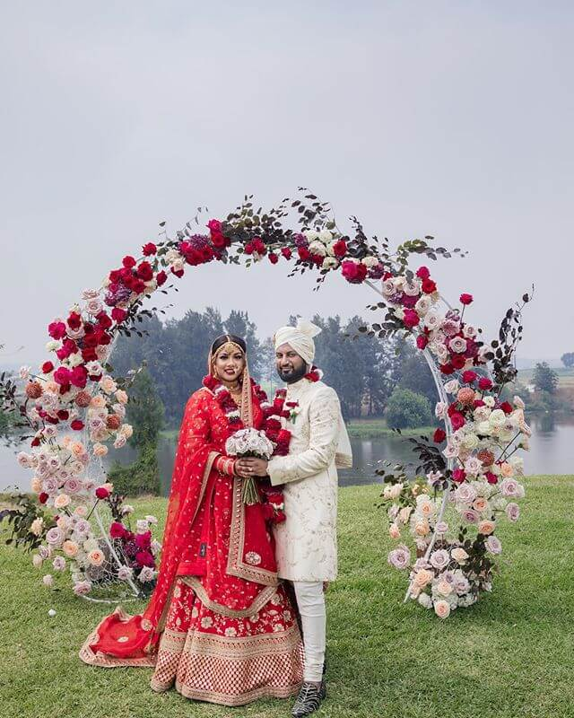 couple-wedding-outfits