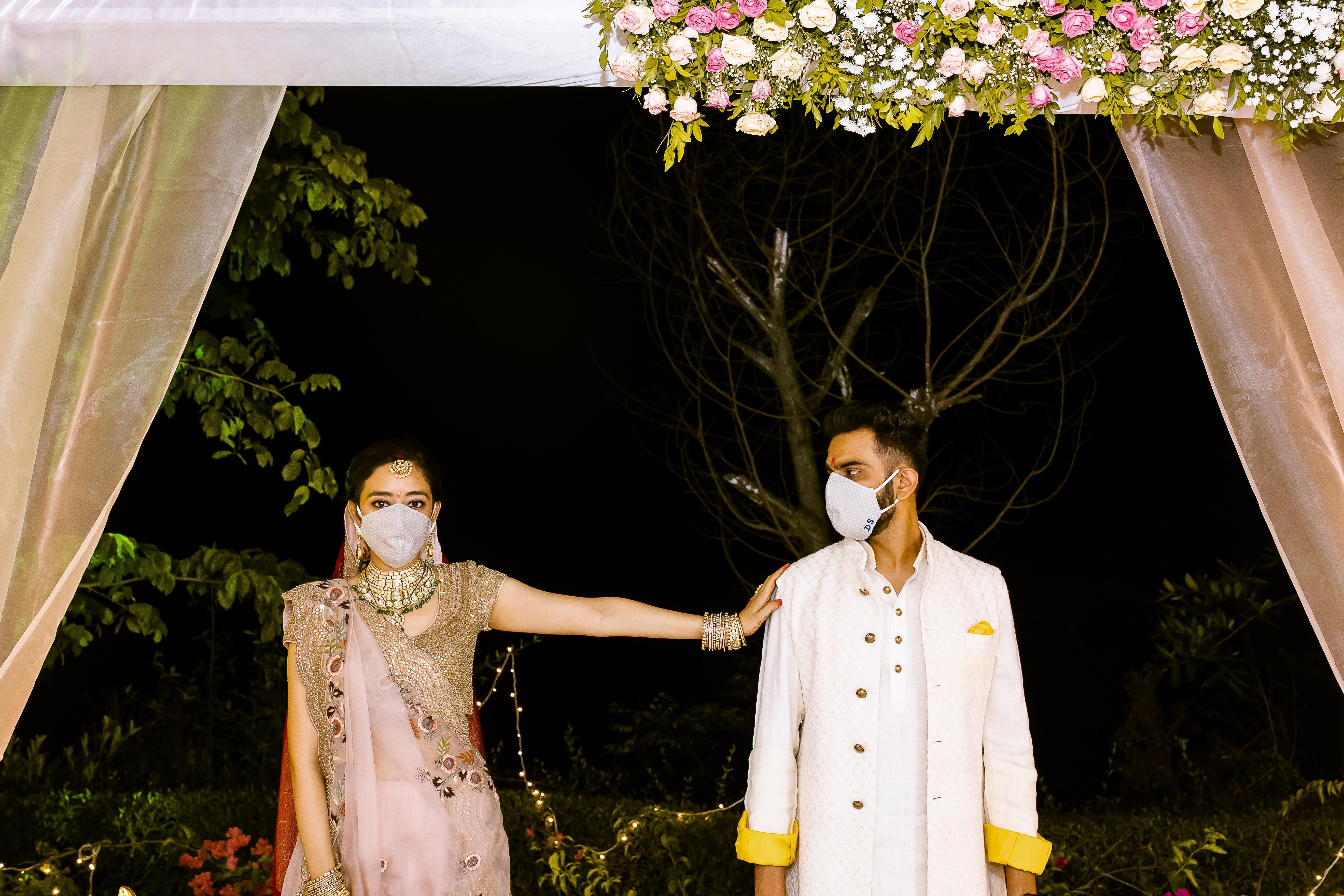 wedding photographer for intimate weddings