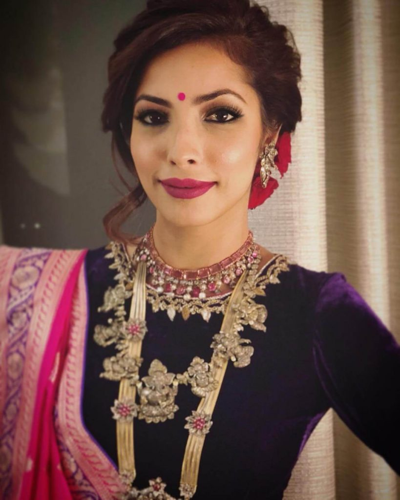 professional makeup artists in Gurgaon