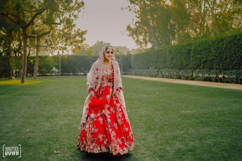 anamika khanna outfits