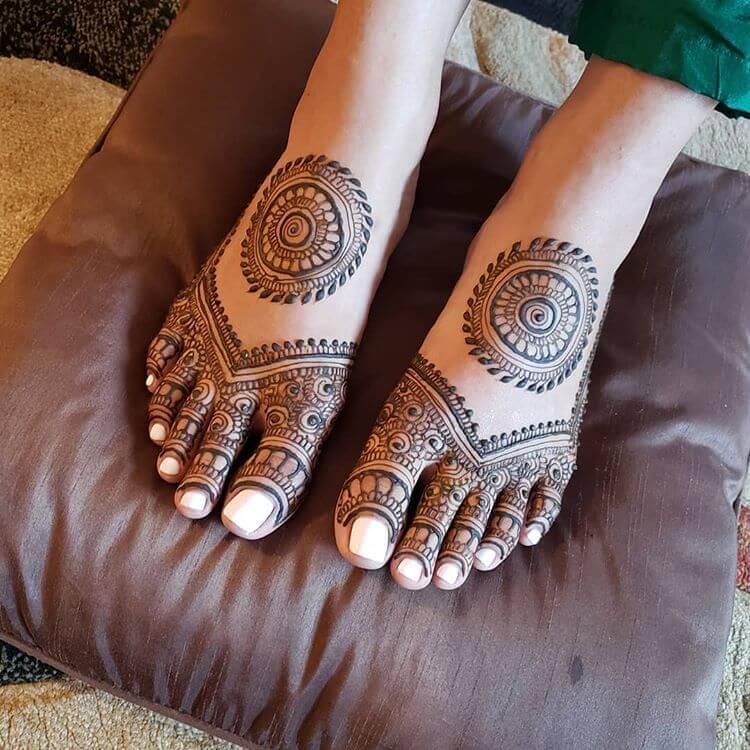 mandala feet mehendi