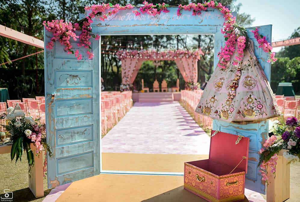 entrance decor ideas for wedding