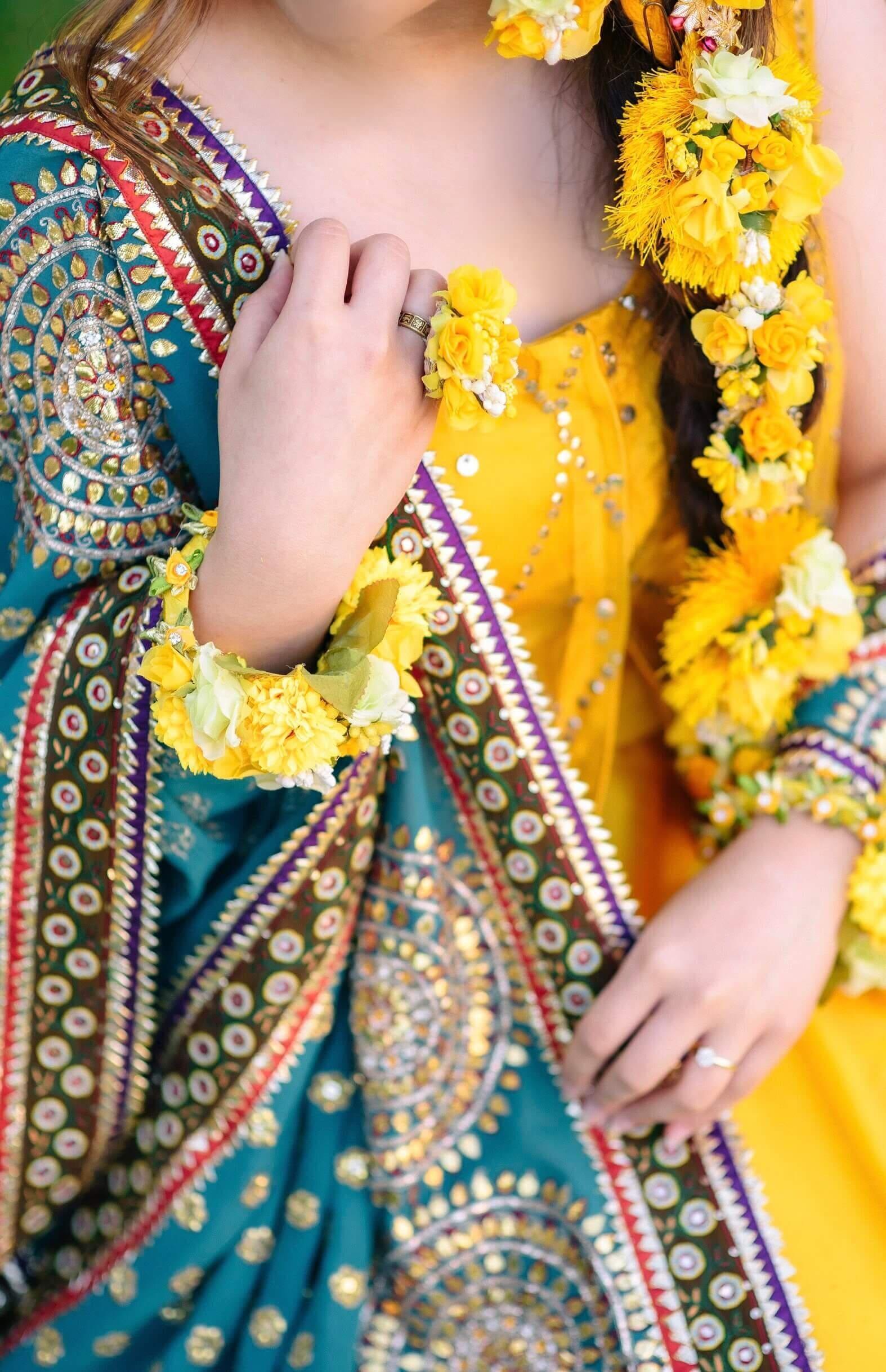 bridal details, floral jewellery
