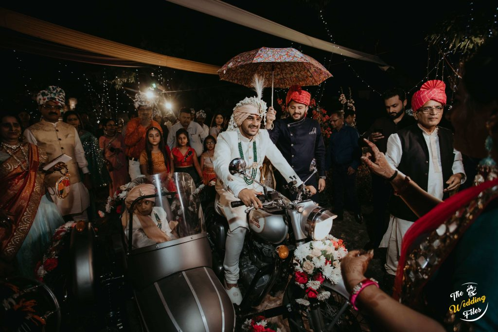 groom wedding entry ideas