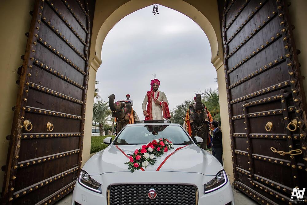 groom entry in car