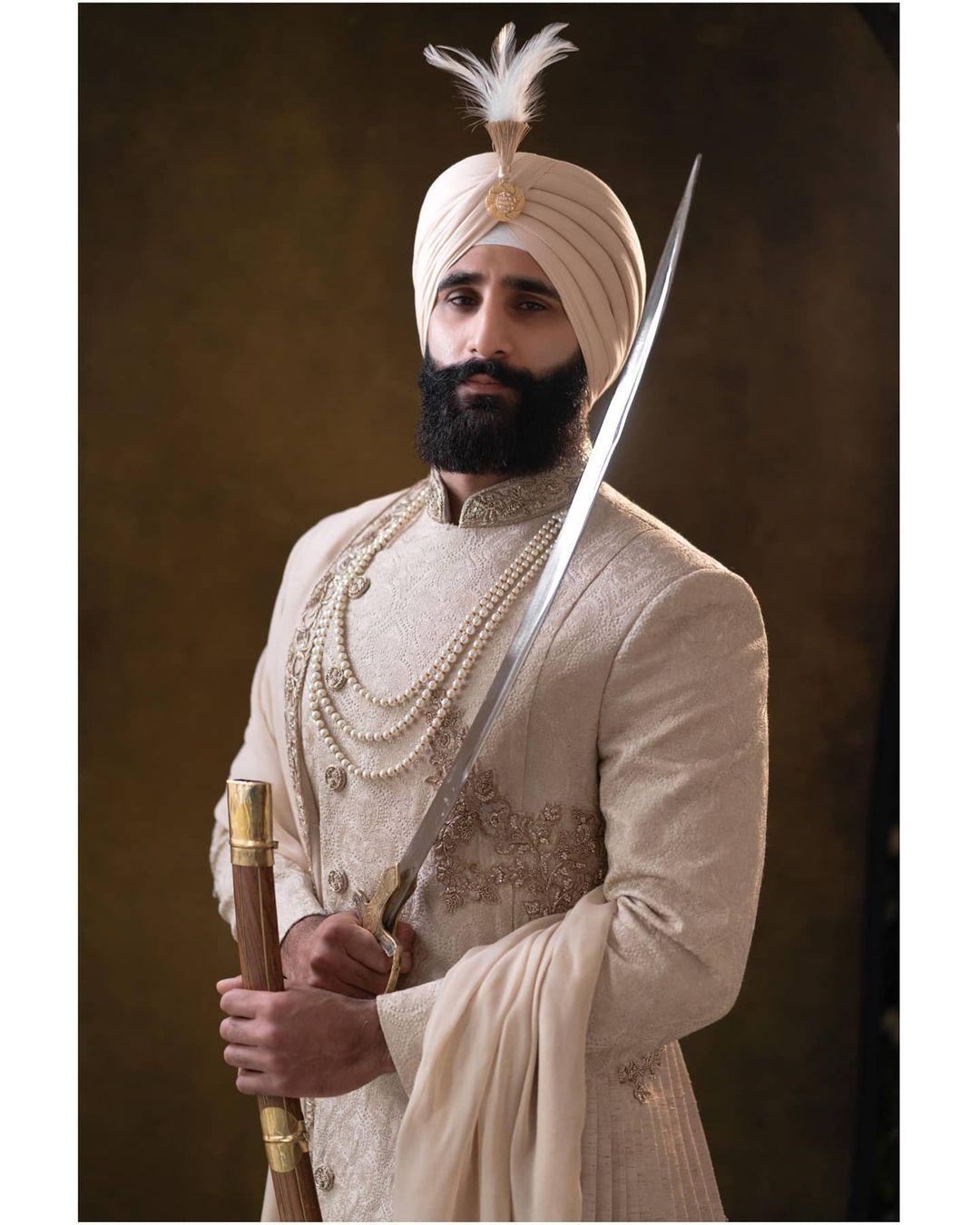 Sikh groom katar