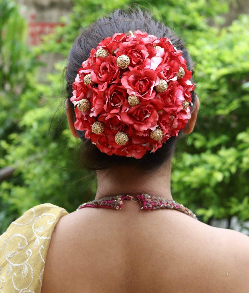 floral hair bun ideas