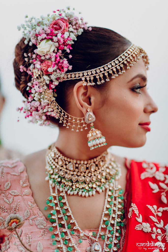 hair accessories and jewellery
