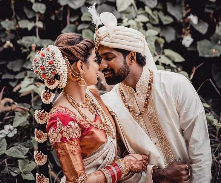 south indian couples, hair accessories and jewellery