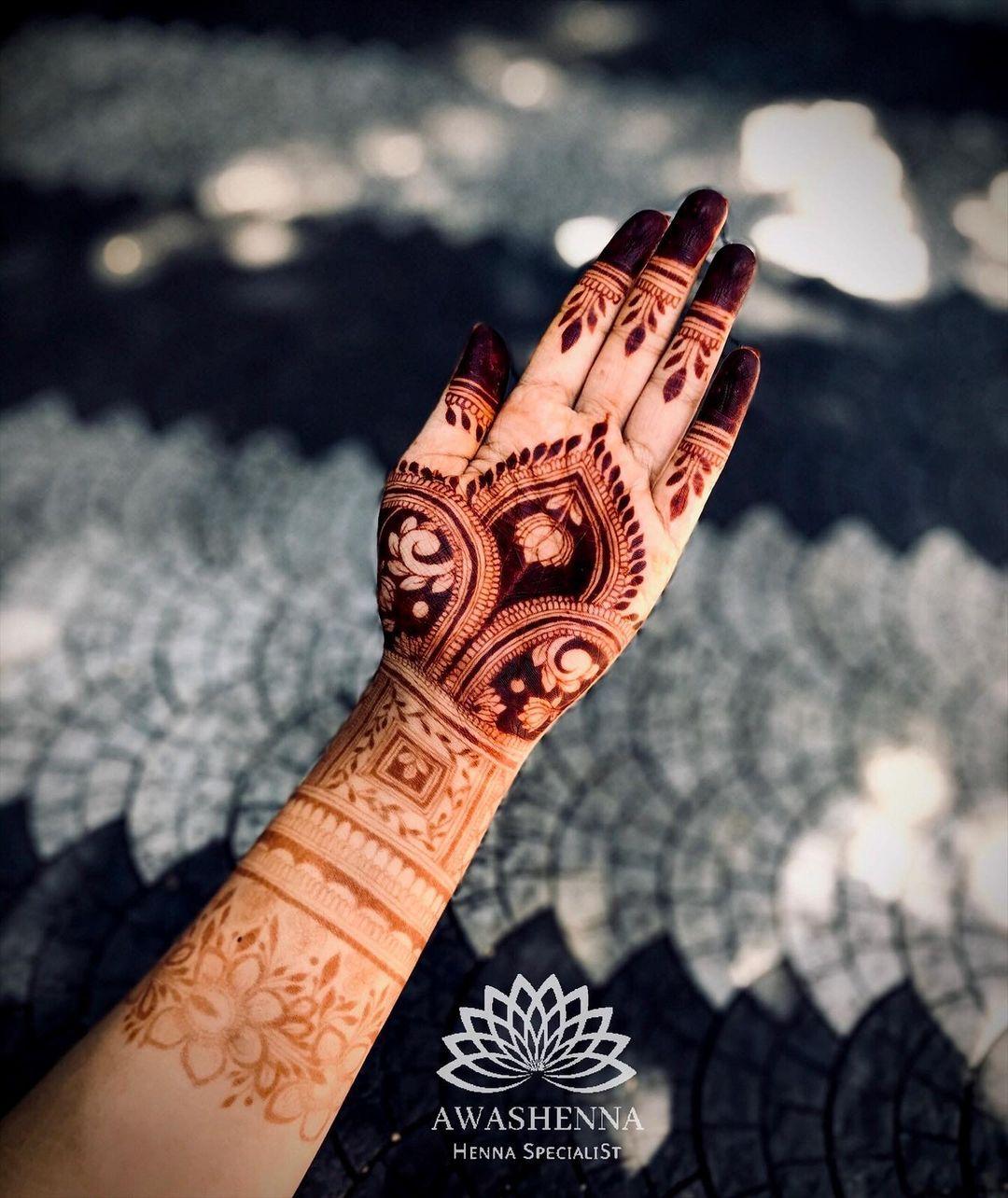 minimal lotus motif henna