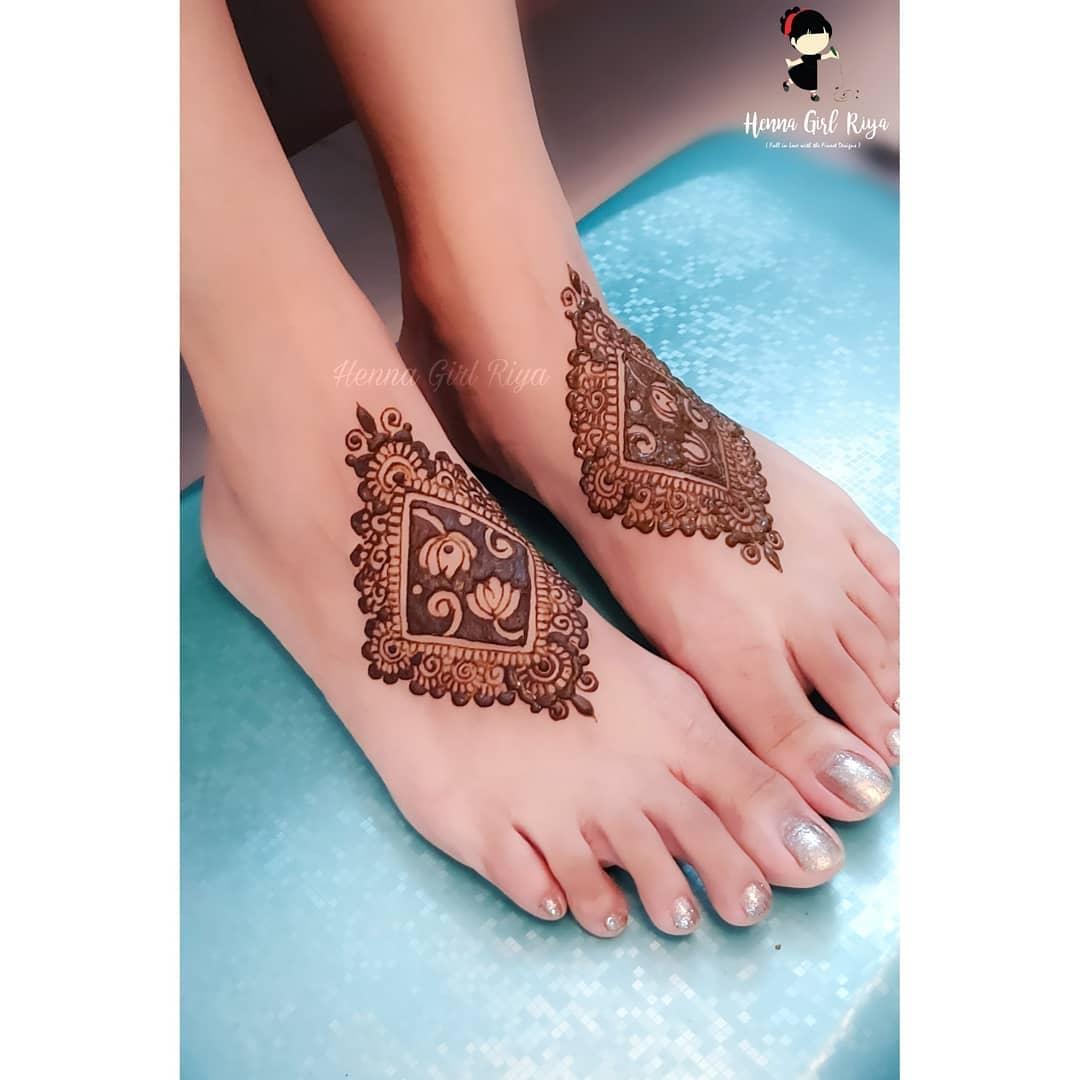 minimal henna