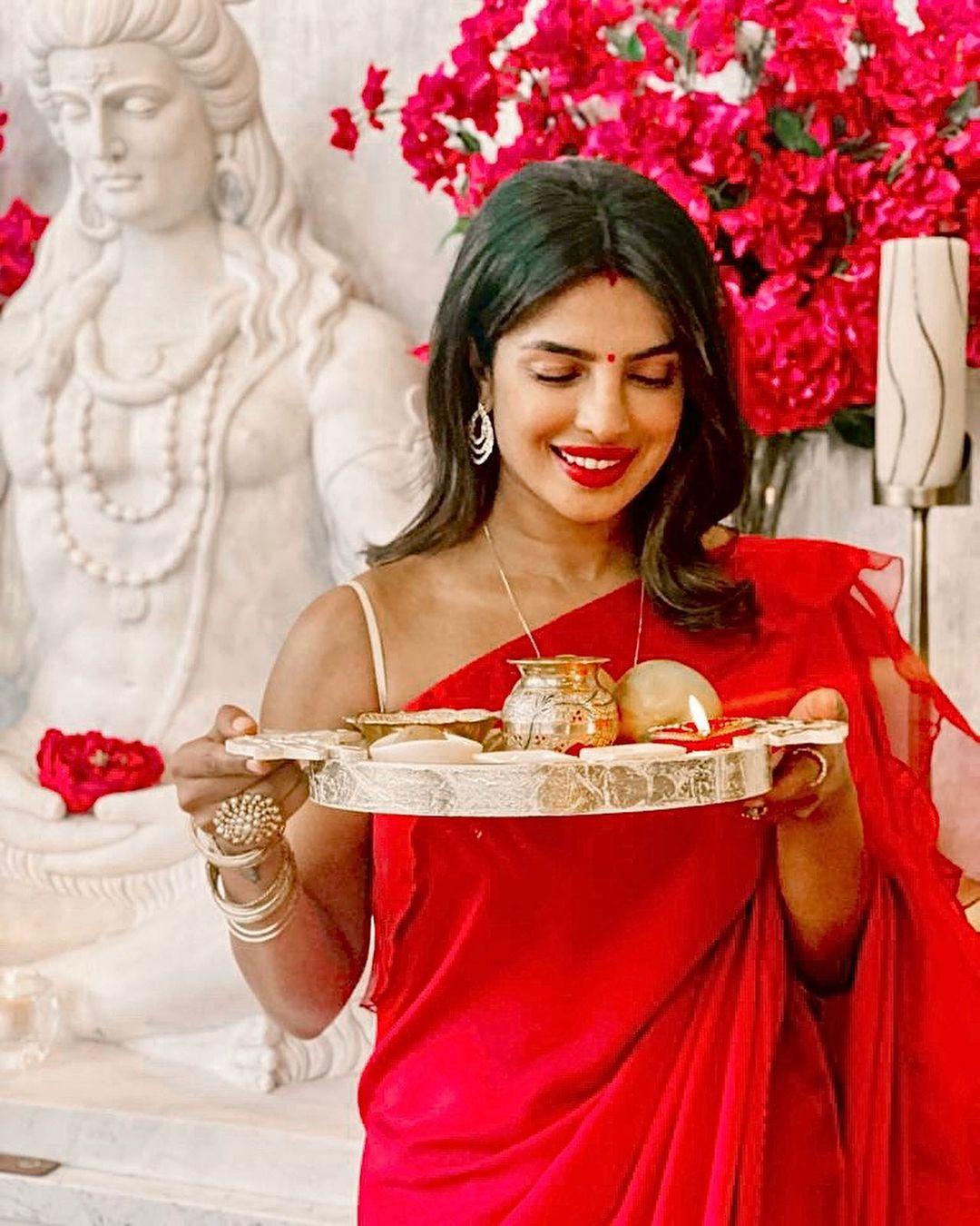 priyanka chopra red saree
